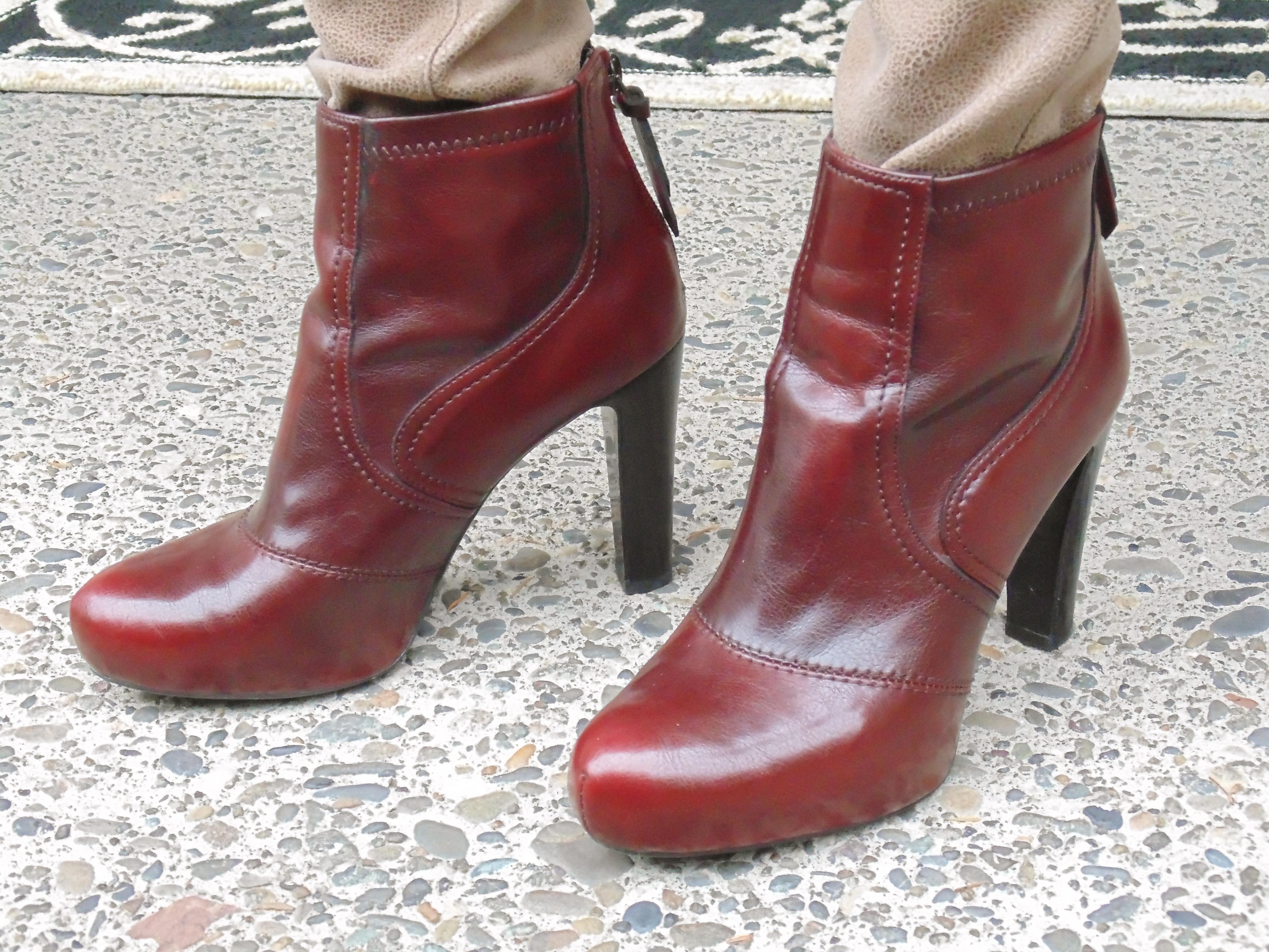 Burgundy Sparkle Shoes Womens